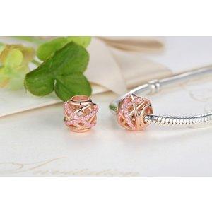 Talisman din argint auriu Decupat cu Cristale Roz