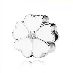 Talisman din argint cu Clips si Floare Alba