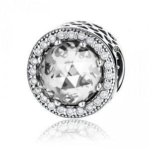Talisman din argint cu Inimi de Gheata Cristaline