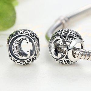 Talisman din argint cu litera C