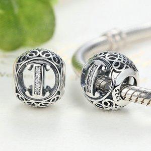 Talisman din argint cu litera I