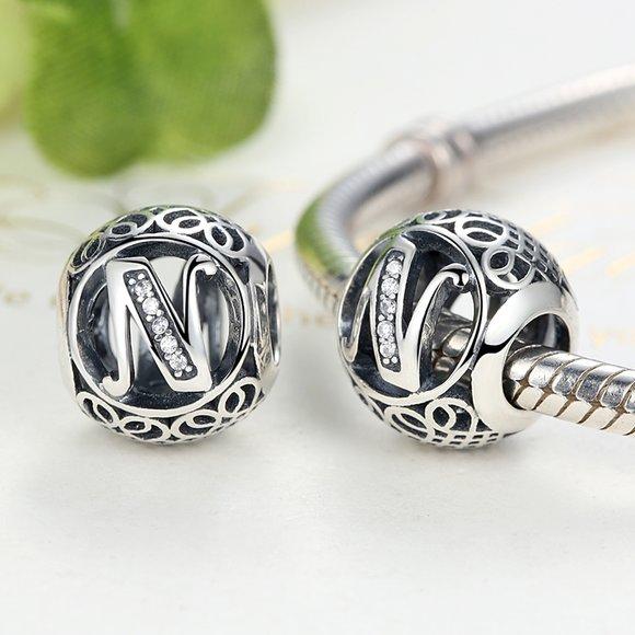 Talisman din argint cu litera N