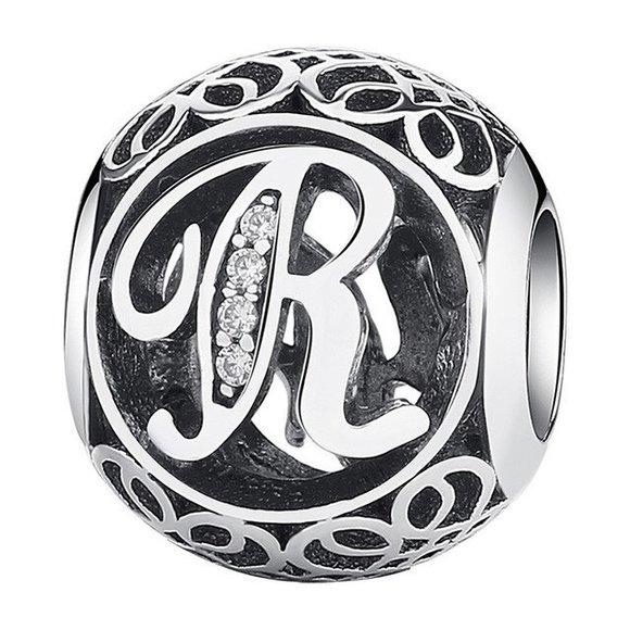 Talisman din argint cu litera R