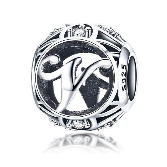 Talisman din argint cu Litera V si cristale