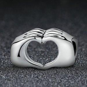 Talisman din argint cu Maini Impreunate