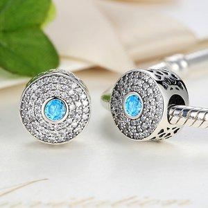 Talisman din argint stralucitor cu Labirint si Cristale Albastre