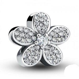 Talisman din argint stralucitor Floare Argintie