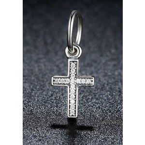 Talisman din argint sub forma de pandantiv cu Cruciulita si Cristale