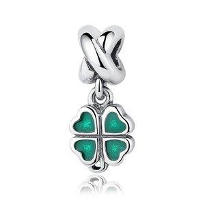 Talisman din argint sub forma de pandantiv cu Trifoi Verde
