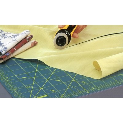 Patchwork and quilting cutting mat Olfa - 90x60 cm