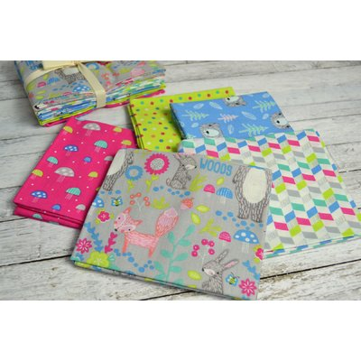 Set Fat Quarter In to the Woods Pink