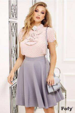 Bluză Fofy din voal roz pudrat cu buline metalice argintii și broșă decorativă perle