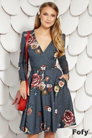 Rochie gri cu mânecă lungă și elemente florale