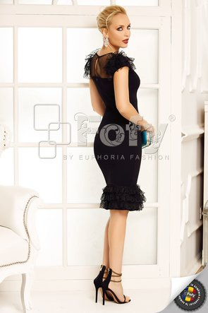 Rochie elegantă neagră cu volane din dantelă