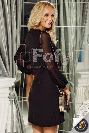 Rochie neagră cu fundă și lanț decorativ