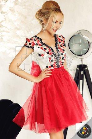 Rochie roșie amplă de ocazie din tulle și dantelă pastelată cu flori brodate