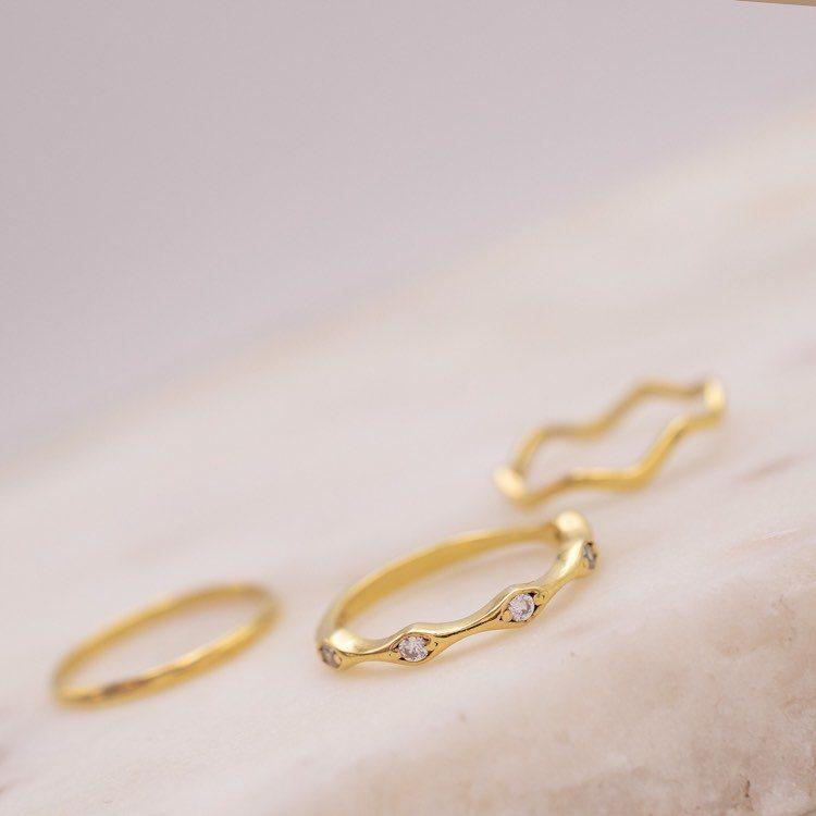 Idei cadouri Valentine's Day - inele argint pe graveazapovesteata.ro