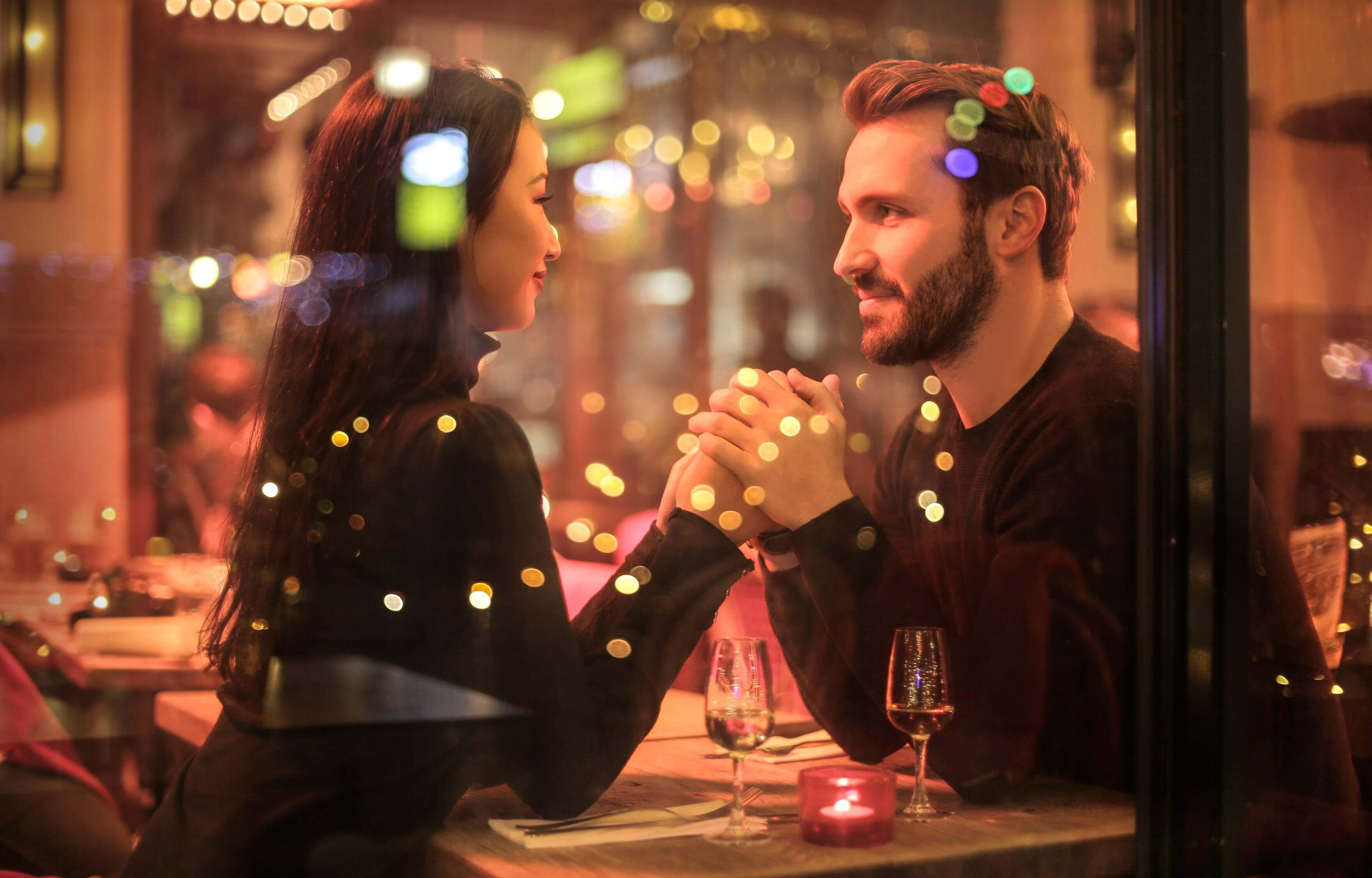 Valentine's day si cum sa o surpriza de ziua indragostitilor - cina romantica