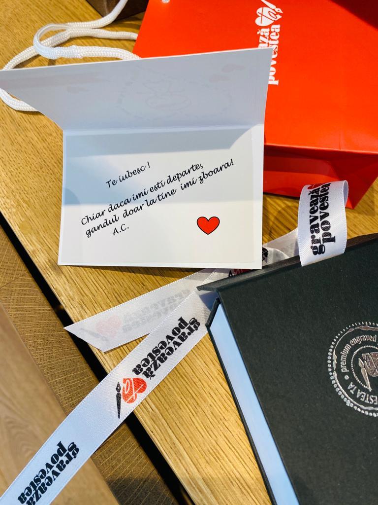 Iepurasul aduce cadouri personalizate si gravate de la GraveazaPovesteaTa.ro