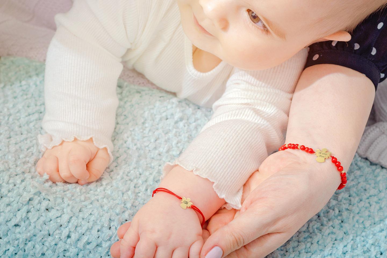 Bijuterii personalizate pentru proaspata mamica - Graveaza Povestea Ta