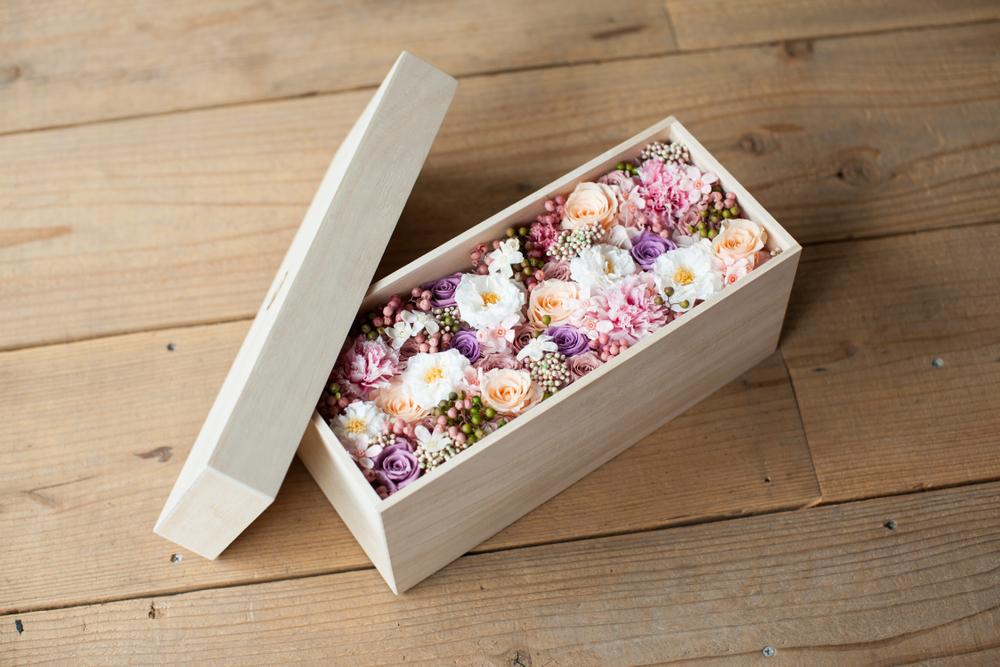 Idei de cadouri pentru petrecerea burlacitelor - un aranjament floral