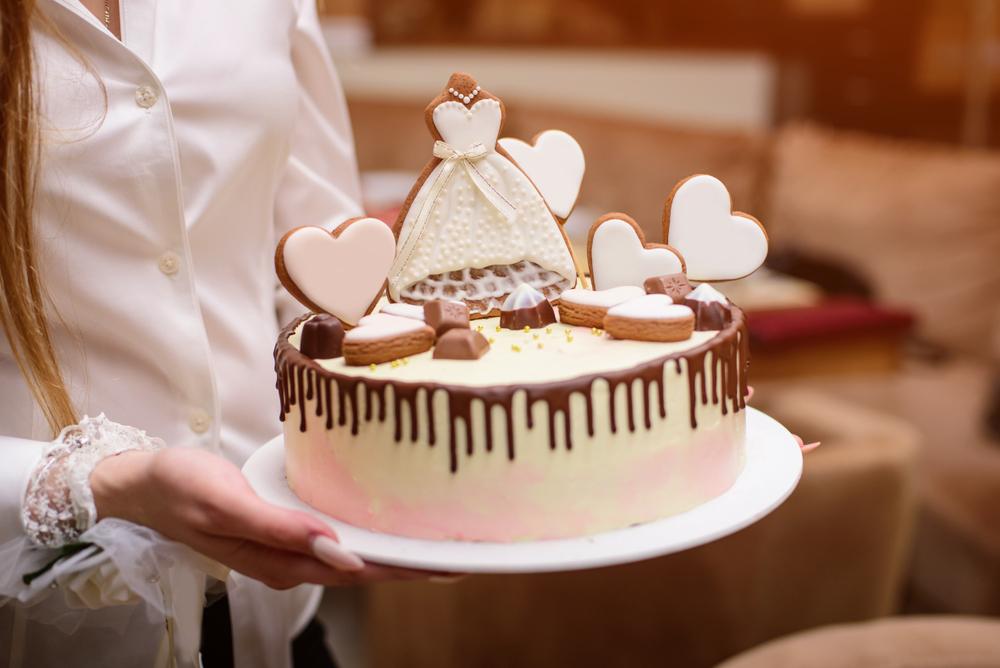 Idei de cadouri pentru petrecerea burlacitelor - tort tematic