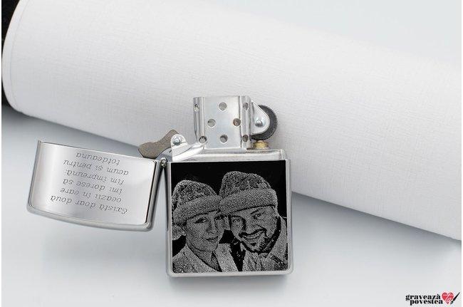 Bricheta ZIPPO argintiu-lucios FOTO