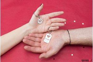 Brelocuri cuplu/ prietenie placuta cu inima decupata personalizate gravura text Argint 925 rodiat