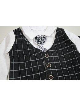 Costumas negru cu cravata