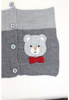 Vesta tricotata, gri cu ursulet