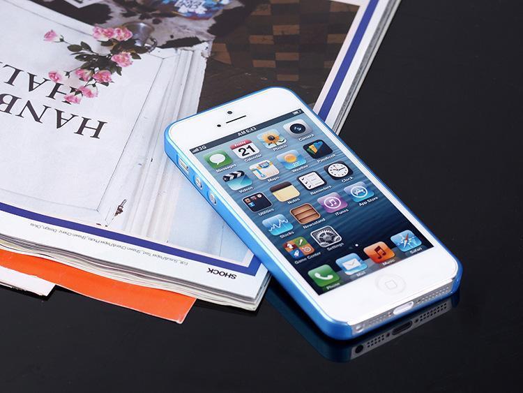 Husa-Ultrathin-Matte-iphone-5-5s-se 3