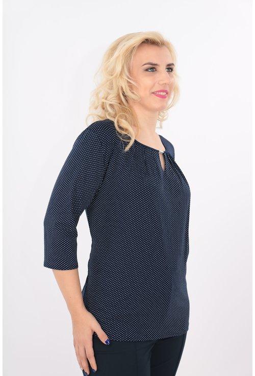 Bluza bleumarin cu buline si accesoriu argintiu