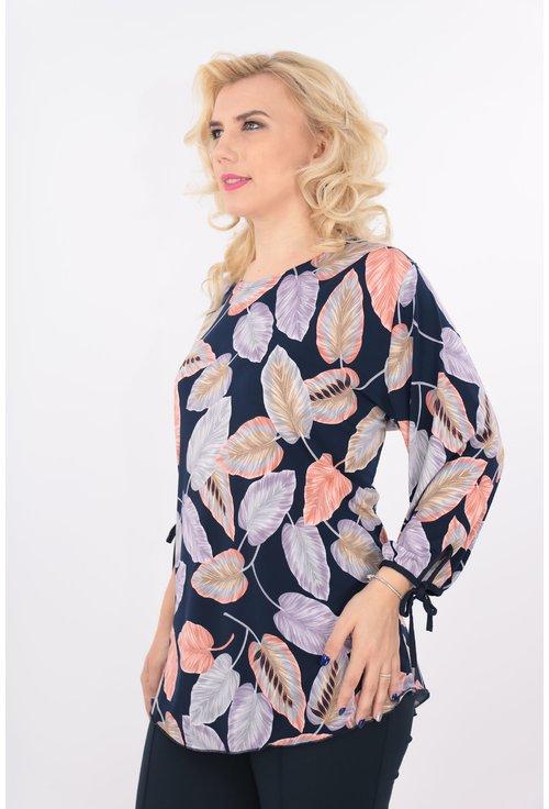 Bluza bleumarin cu frunza colorate