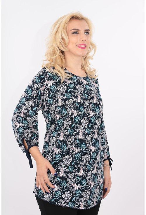 Bluza bleumarin cu print floral discret