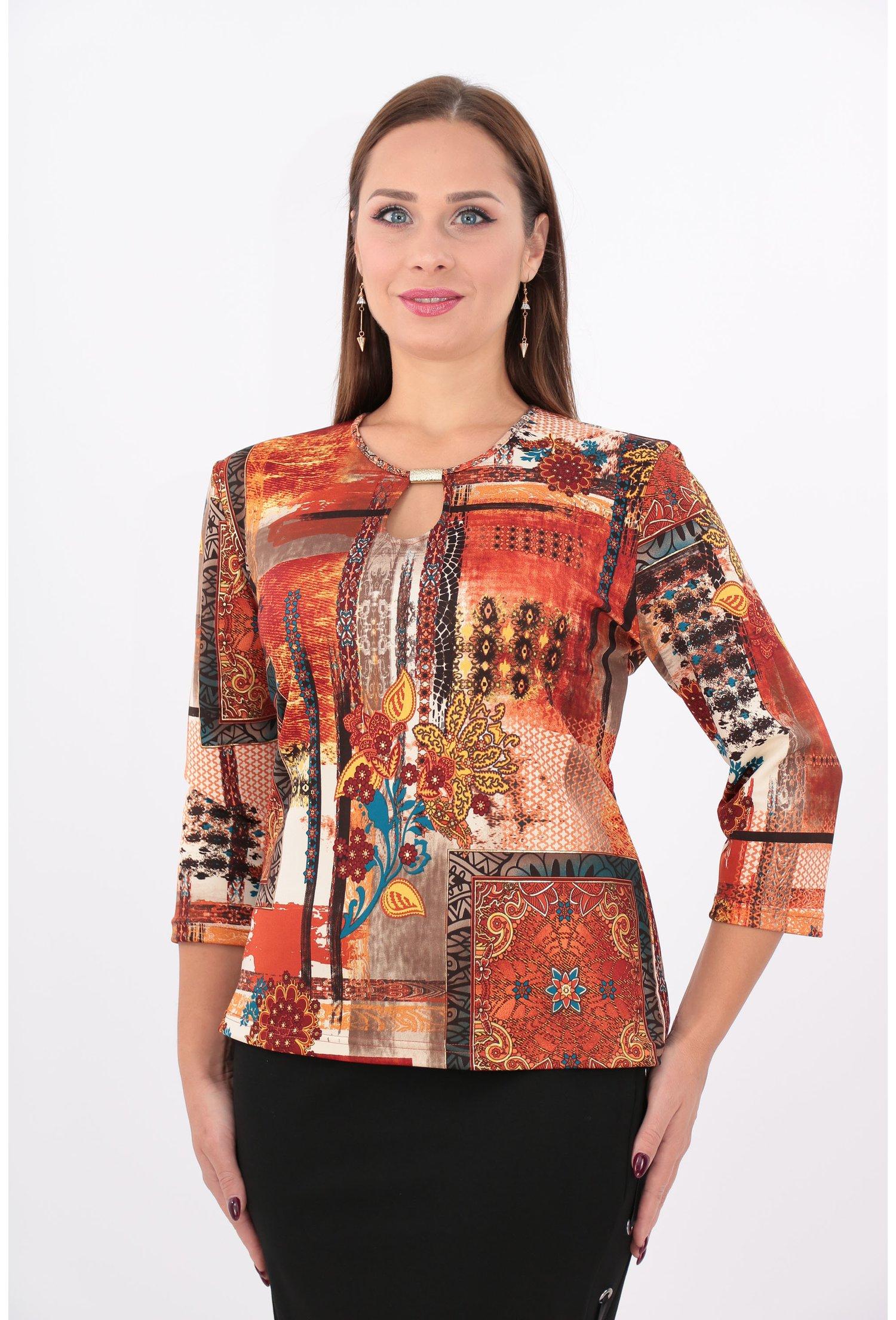 Bluza caramizie cu model geometric