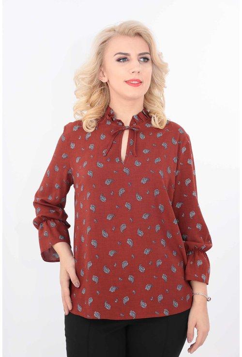 Bluza caramizie din vascoza cu imprimeu discret