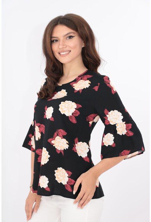 Bluza lejera neagra cu print floral