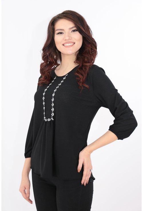 Bluza neagra cu broderie florala alb-negru