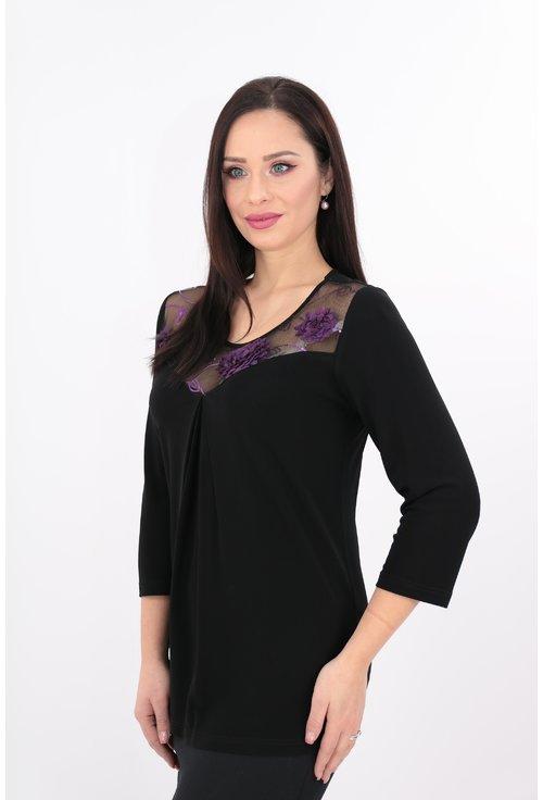Bluza neagra cu dantela cu flori mov