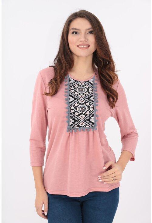 Bluza roz cu motive traditionale si ciucuri