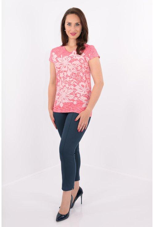 Bluza roz tricotata cu flori albe