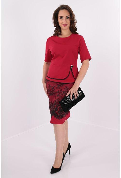 Compleu rosu bluza si fusta