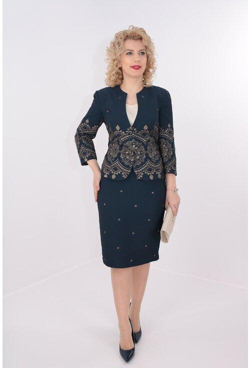 Costum elegant bleumarin din brocard