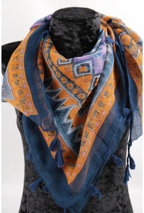 Esarfa patrata albastra cu desen geometric