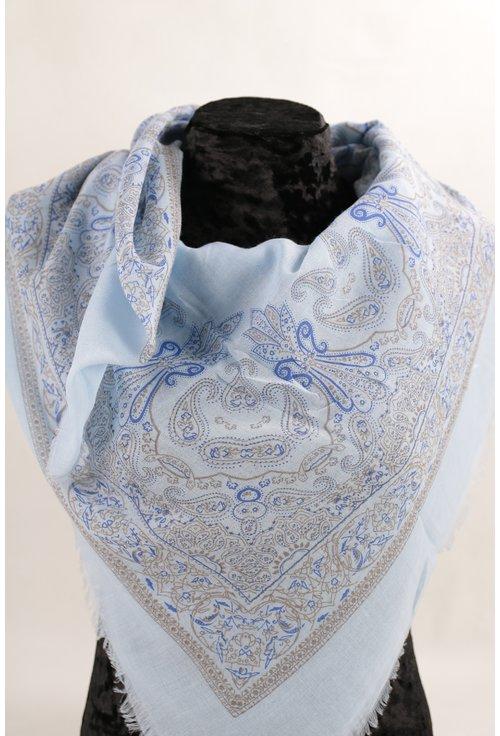 Esarfa patrata fina bleu cu desen floral