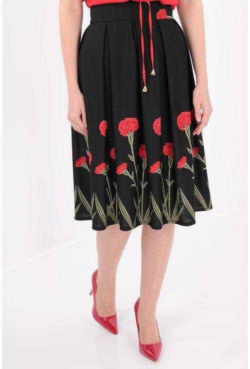 Fusta neagra cu flori rosii