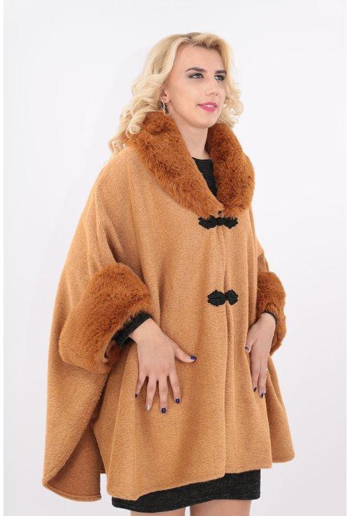 Poncho elegant camel cu guler de blana