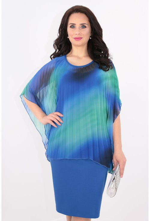 Rochie albastra cu capa din voal plisat