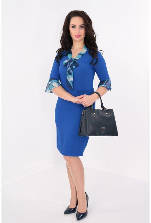 Rochie albastra cu esarfa din voal