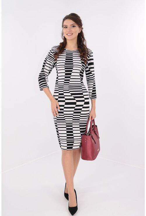 Rochie cu desen geometric alb-negru